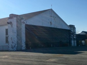 IMG_0188.jpg hangar